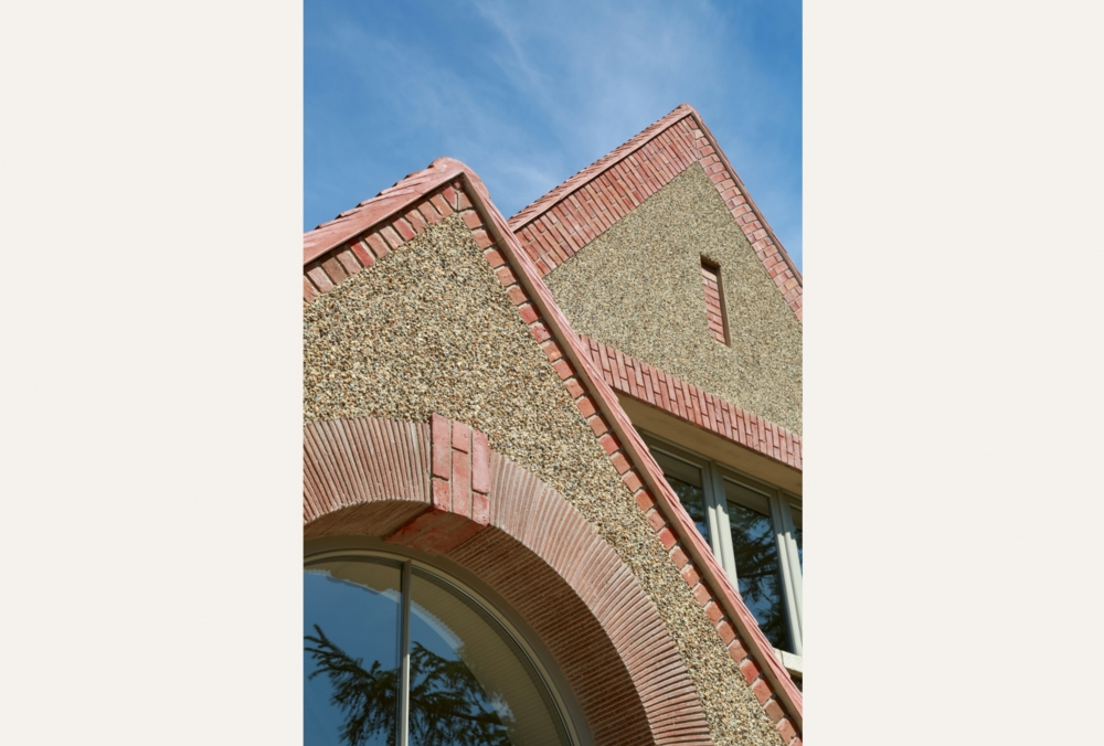 arts-crafts-style-home-for-a-surrey-client-19