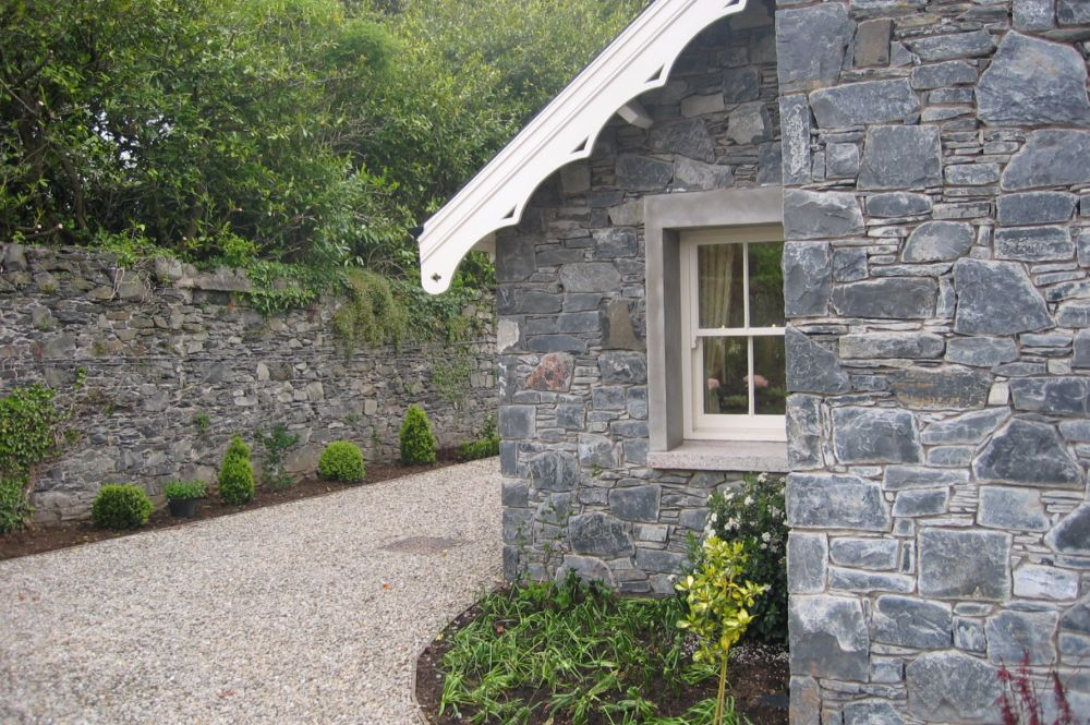 new_stone_built_cottage_in_walled_garden_2
