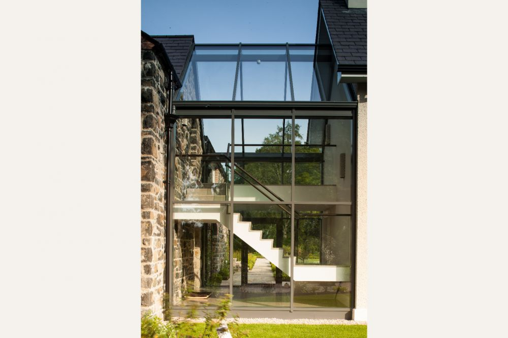 newly_constructed_coach_house_with_contemporary_glazed_link_16