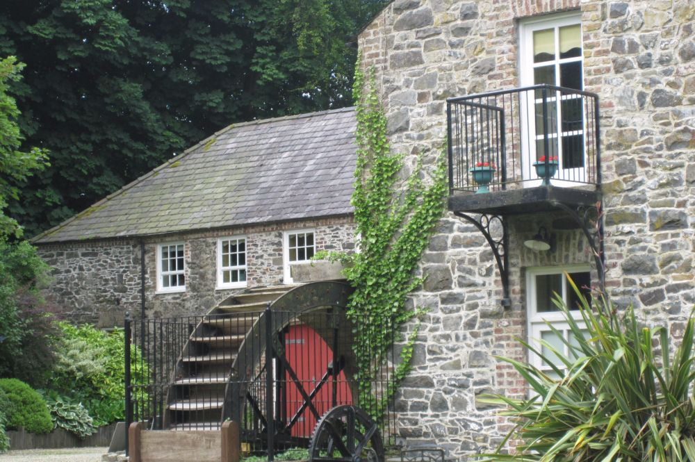 conversion_of_former_beetling_mill_into_family_home_4