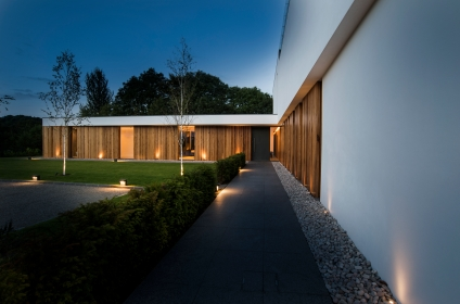 An elegant modern villa with cantilevering forms, overlooking the River Clyde, South Lanarkshire
